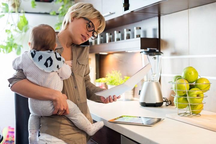 Германки бараат да им се плати екстра, бидејќи додека работеле од дома, морале да готват, чистат, пишуваат домашна со децата