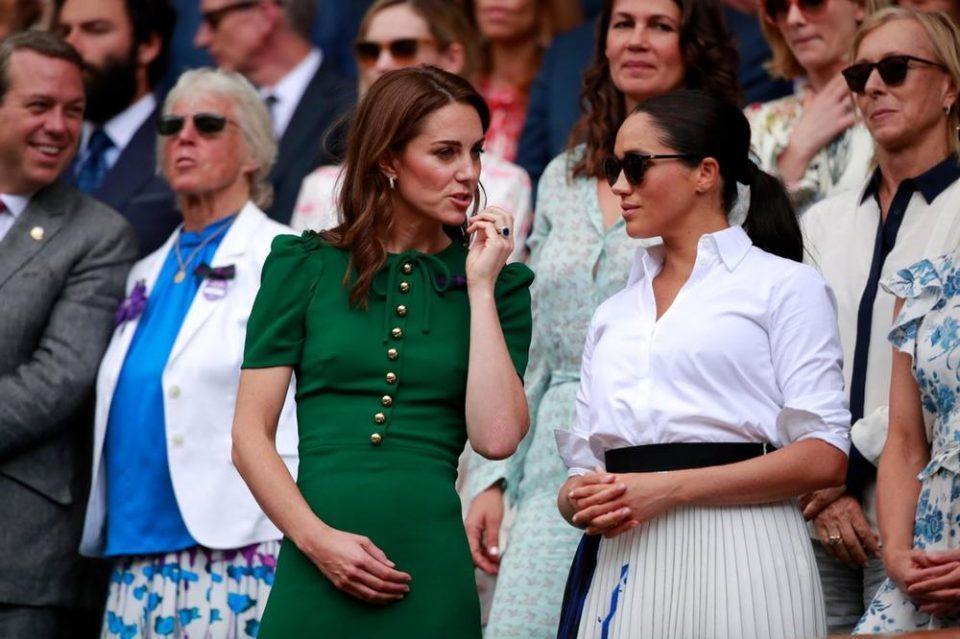 Што се случува кога две сосема обични девојки ќе влезат во кралското семејство?
