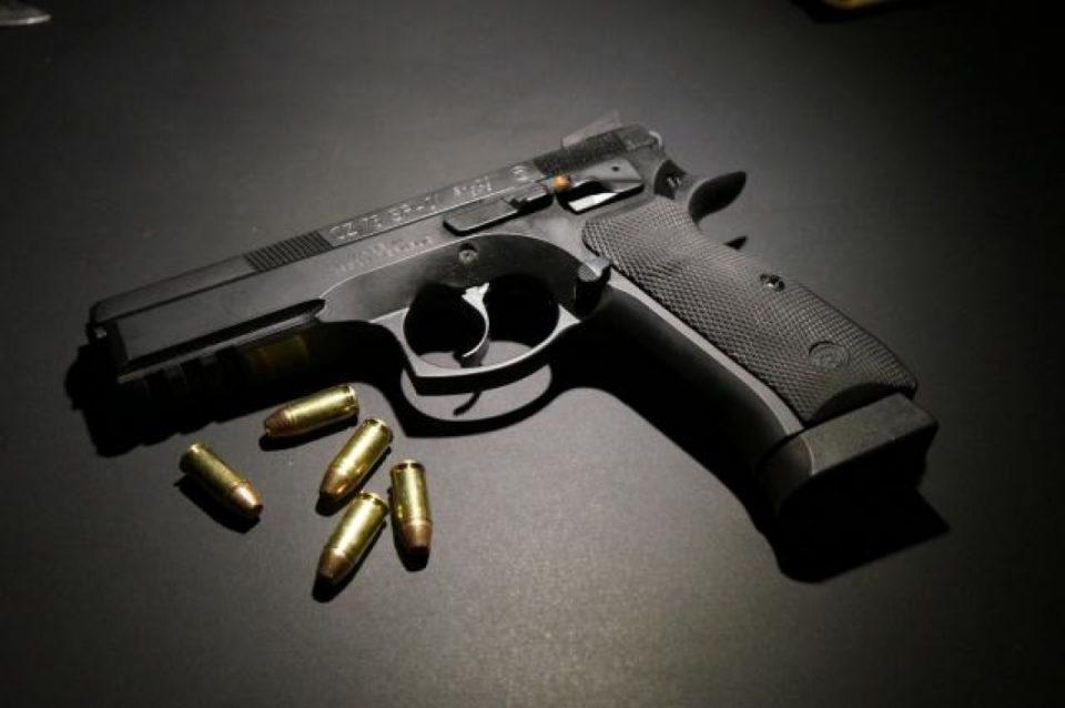 Во куќата на татко му чувал марихуана, пиштол и куршуми: Притворен жител на Сингелиќ