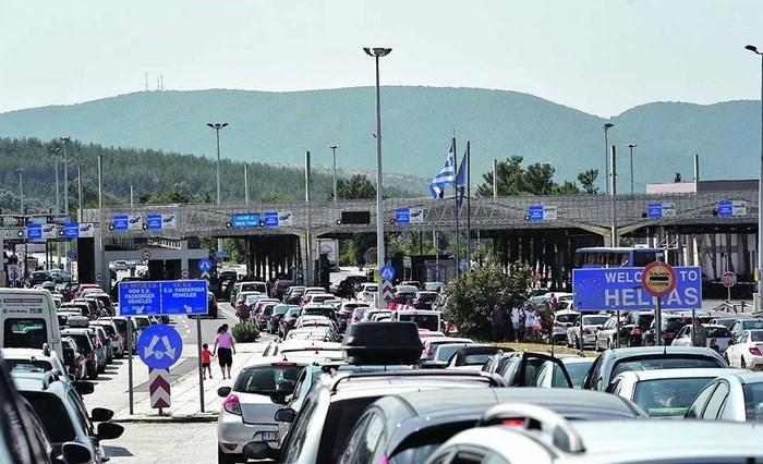 Стоп: Македонците и Србите уште една недела нема да влегуваат во Грција