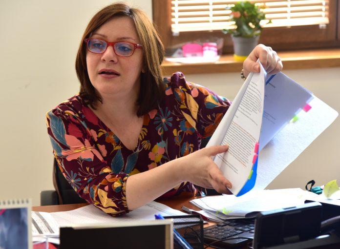 Димитриеска Кочоска: Нема да имаме реализација на предвидените приходи во буџетот затоа што економијата е далеку од заживување