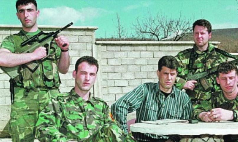 """Што се случувало во """"жолтата куќа"""": Соработниците на Хашим Тачи биле на приоритетна листа за добивање органи од Срби"""