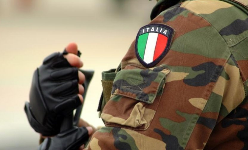 Удар врз италијанската мафија: Уапсени околу 100 лица во Бари