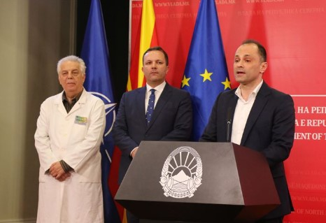Филипче и Караџовски го донесоа италијанското сценарио во Македонија