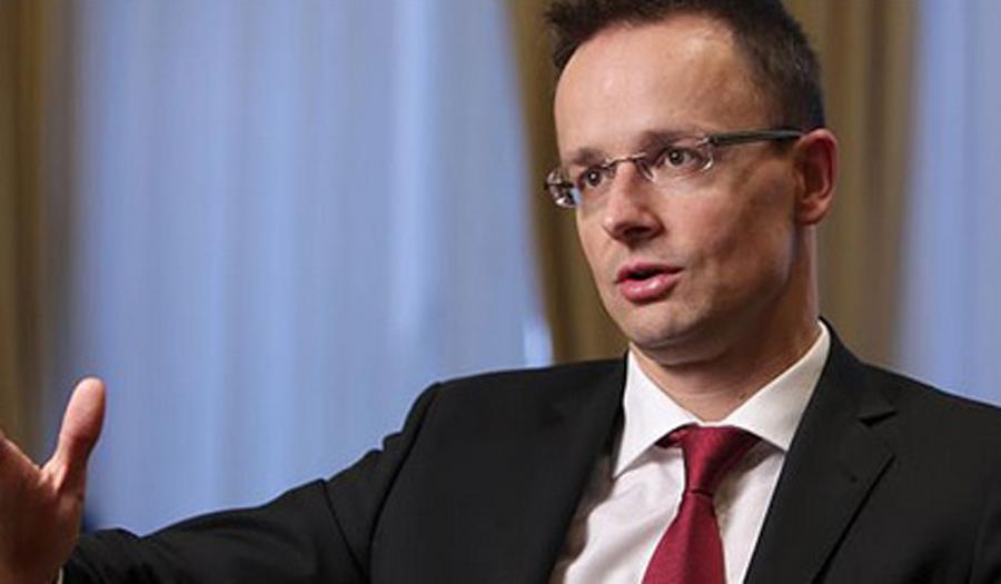 Сијарто: Приоритет на ЕУ треба да биде запирање на миграцијата и обезбедување работни места за европските граѓани