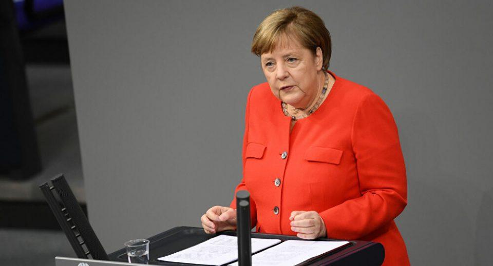Mеркел: Вирусот не исчезна, но научивме да живееме во овие услови