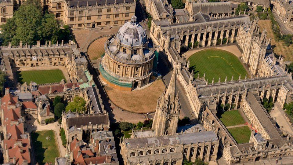 Дексаметазонот ја намалува смртноста од Ковид-19, покажало истражување на Оксфорд