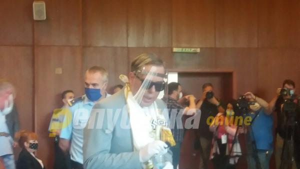 Судот ги конфискува: Боки 13 ќе остане без луксузната гардероба, Јанева без мебелот и 50.000 евра
