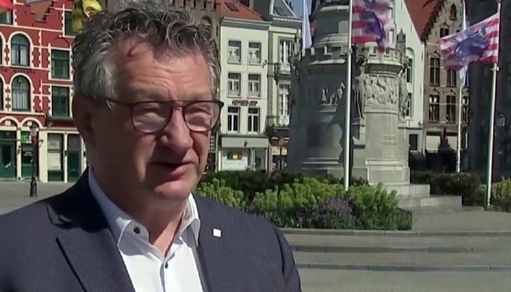Градоначалникот на Бриж избоден со нож