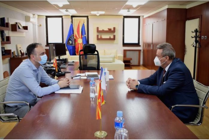 Чулев оствари средба со чешкиот амбасадор