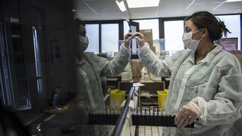 Француските лекари предупредуваат дека новиот бран на корона вирусот ќе ја преплави Франција