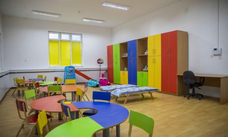 Филипче: Не се планира отворање на градинките