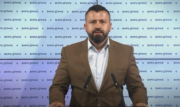 Лазов: Комисијата за заразни болести работи под диригентска палка на Заев, затоа потребно е консолидирање на системот