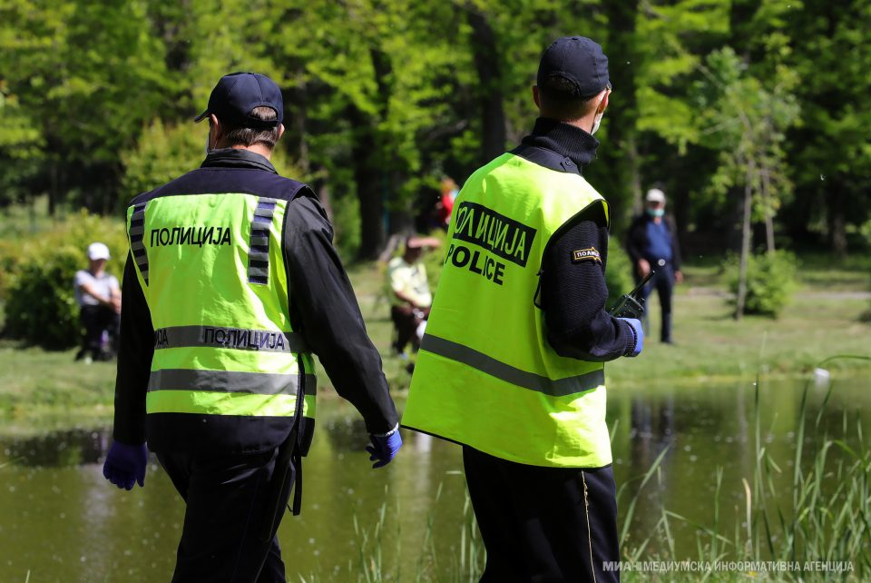 Казни за 415 граѓани за неносење маски