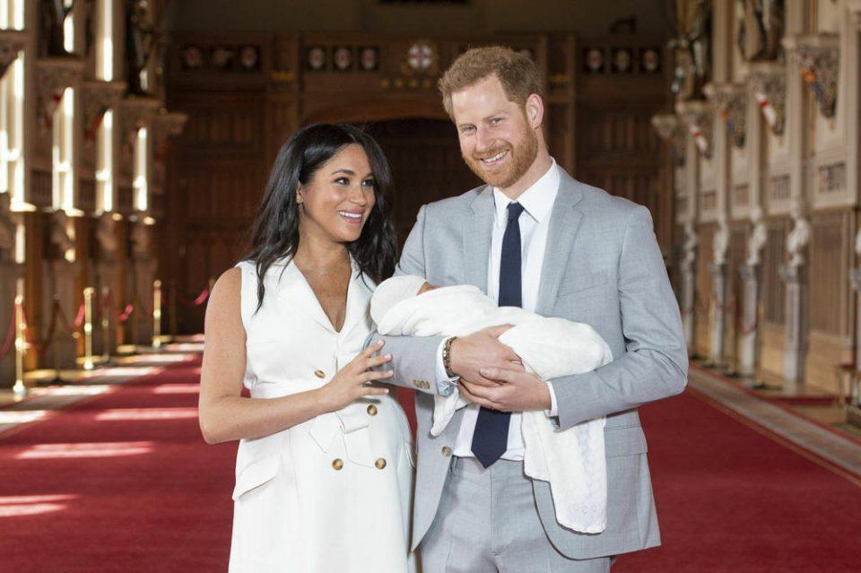 Меган плачела: ДНК тестот покажал дека принцот Хари не е татко на Арчи!