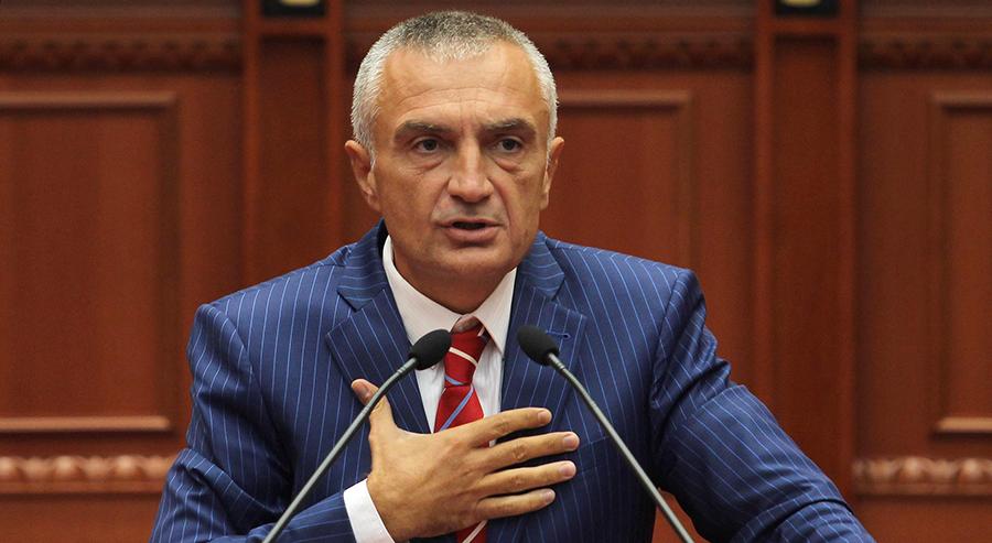 Под итно да се донесе долгорочна стратегија за справување со Ковид-19, бара албанскиот претседател