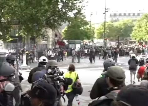 Уапсени 33 демонстранти во Париз по протестот против Законот за сеопфатна безбедност