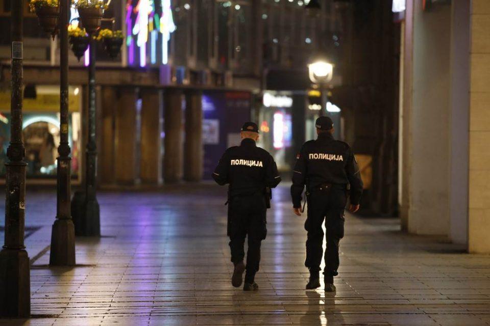 Затворени угостителските објекти, зголемен полицискиот час: Детално за сите нови рестриктивни мерки