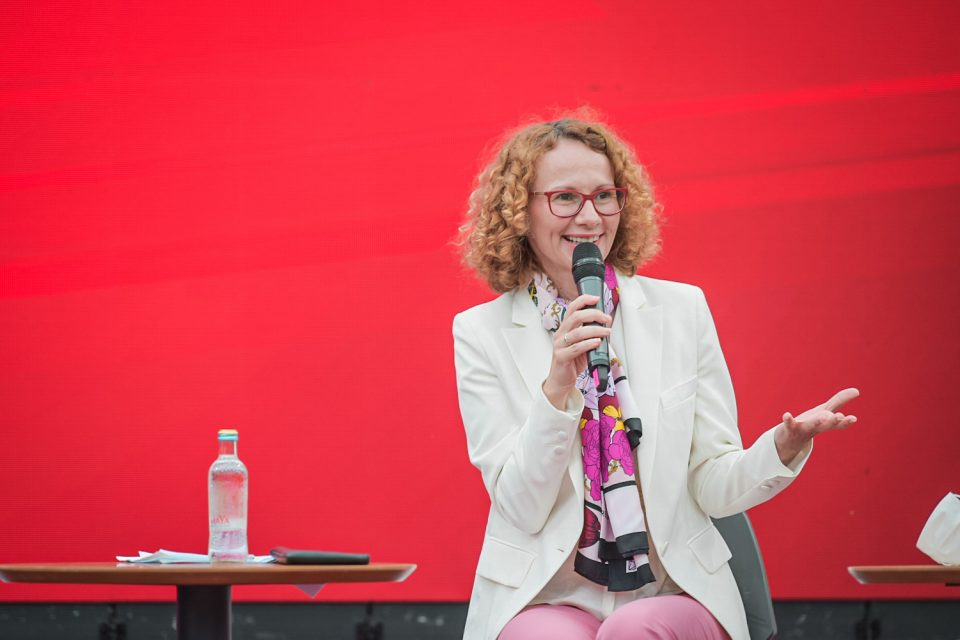Шекеринска:  Им помогнавме на младите луѓе полесно да дојдат до подобро работно место