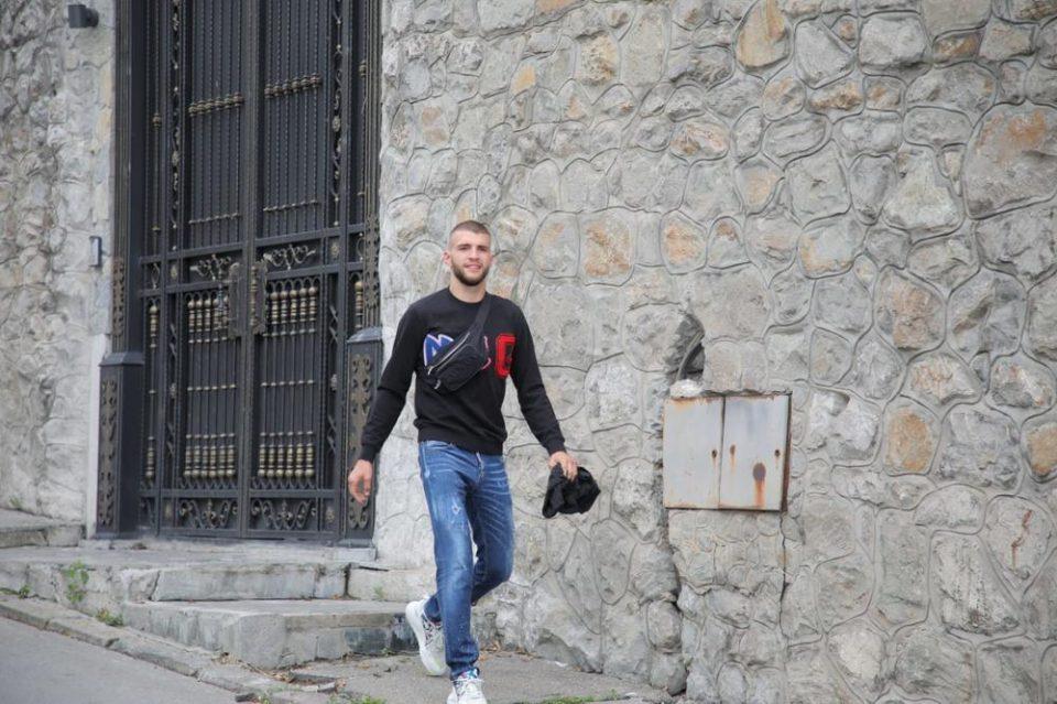Сите го чекаат малиот Жељко: Ражнатовиќ стигна на клиника!