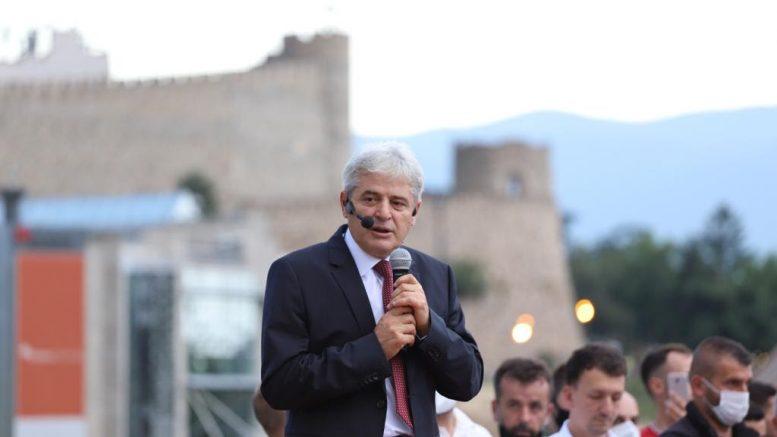 Ахмети од Струга: Нозете им се тресат од идејата за премиер Албанец