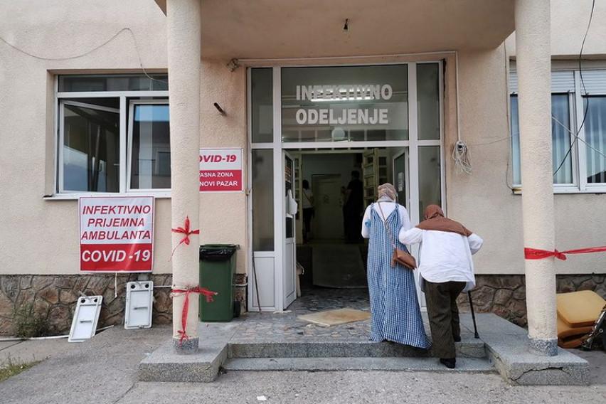 Во Нови Пазар за една вечер од коронавирус починале 10 пациенти