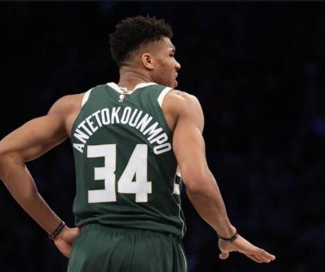 Гркот Адетокунбо најефикасен во НБА лигата
