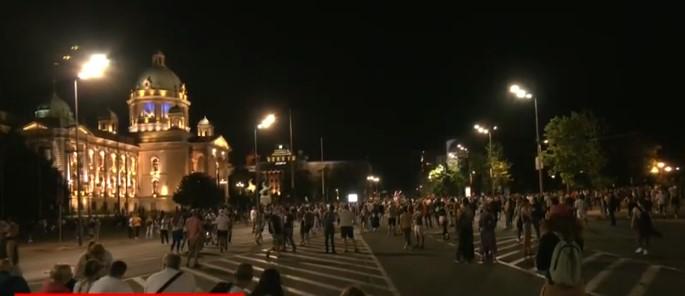 Седми ден протест во Белград, помалку демонстранти отколку претходно