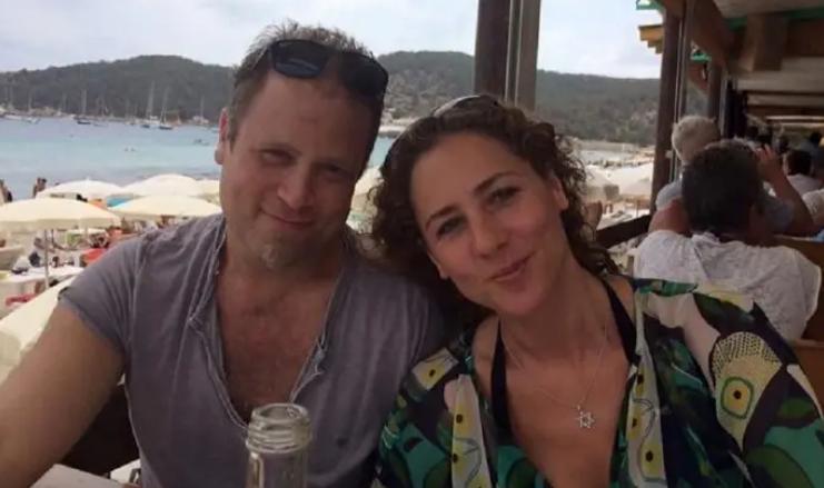 Брачна двојка за два месеци станале милионери, благодарејќи на короната