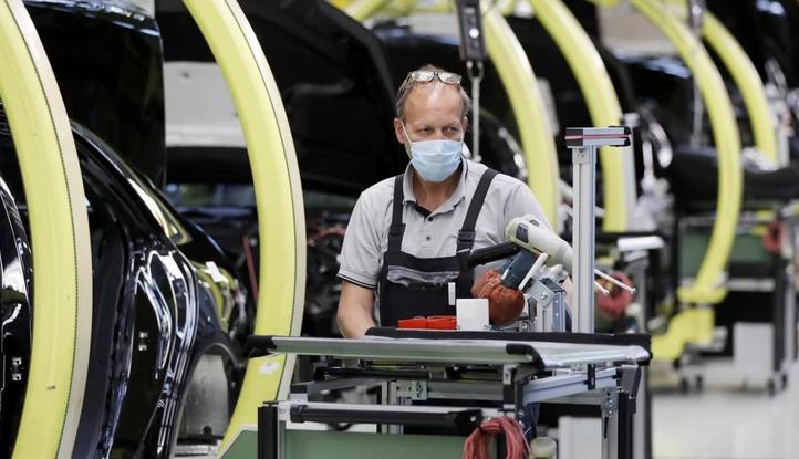 Кризата продолжува да ја дрма автоиндустријата: Германски гигант ја продава фабриката во Франција