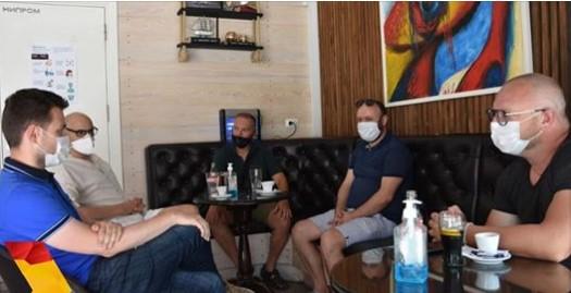 Муцунски на средба со занаетчиите: Ќе придонесеме за поголема поддршка  и нивно афирмирање со препознатливи македонски брендови