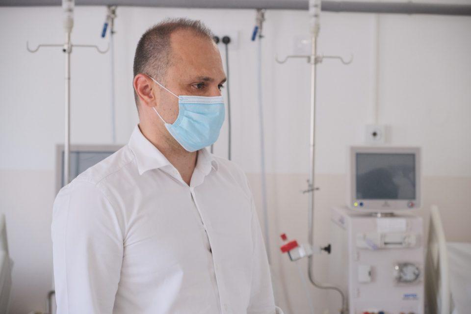 Во време на корона Филипче ги турна хронично болните да чекаат по болнички ходници