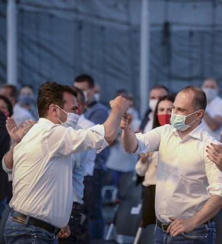 Пренџов: На Заев и Филипче поважни им се приватните бизниси отколку вакцините