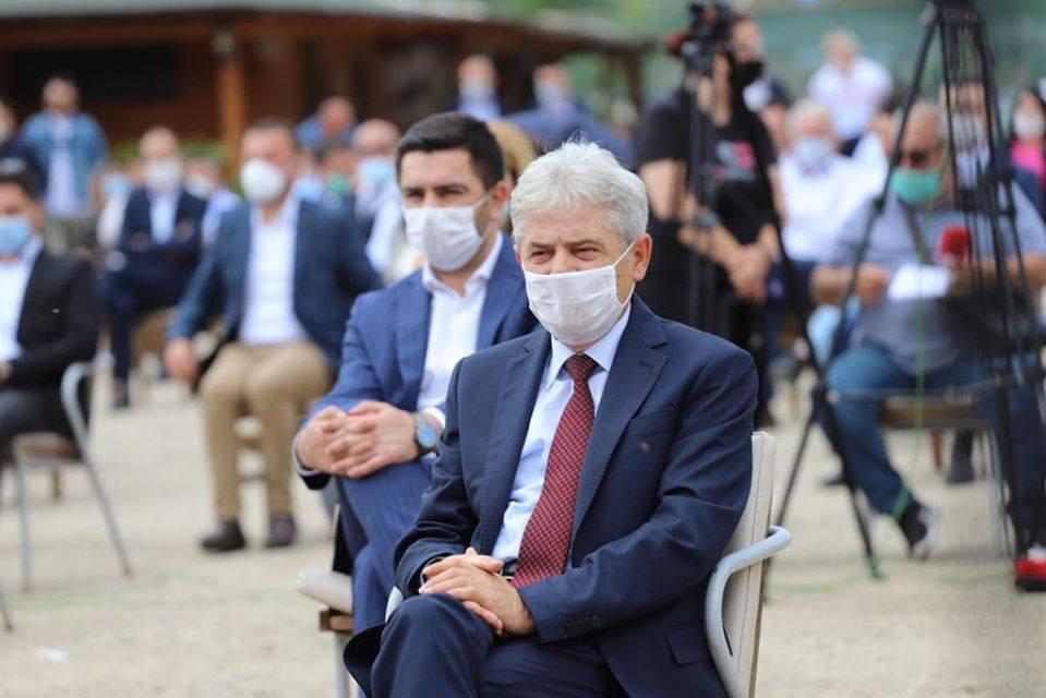 Ахмети: Нека разберат Гоце Делчев со кече на глава зборувал пред Албанците