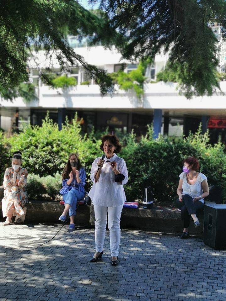 Силјановска Давкова: Да си ја земеме судбината во свои раце и во родов дијалог со мажите да ја направиме Македонија поеднаква, попросперитетна