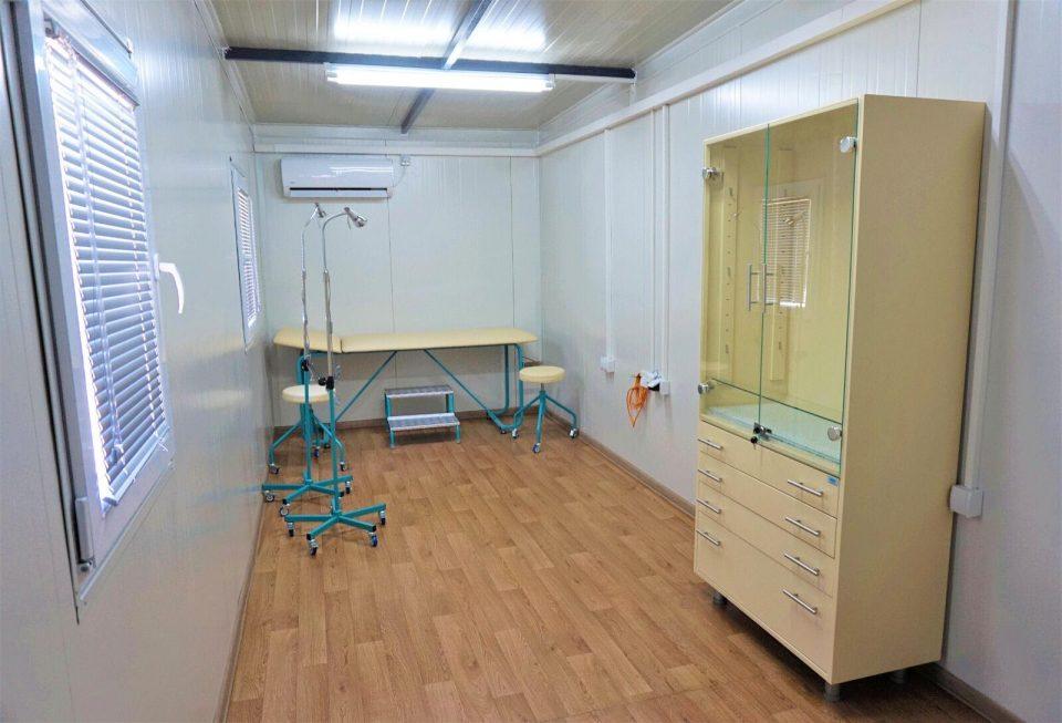 Детската клиника постави монтажна општа амбуланта за заштита од ширење на коронавирусот