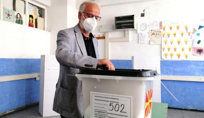 Џафери го искористи правото на глас: На сите што учествуваат во изборите им посакувам успех