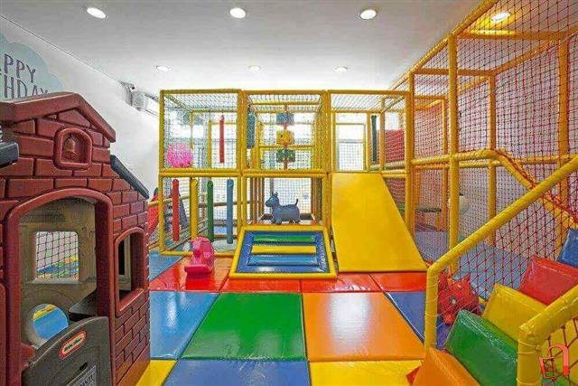Игротеки, установи за едукација, објекти за веселби бараат итно донесување протоколи и финансиска помош