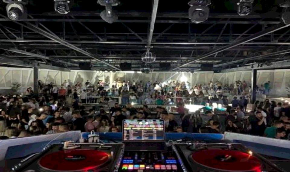 Албанија ги затвора ноќните клубови и дискотеки, ќе има казни од 25.000 евра