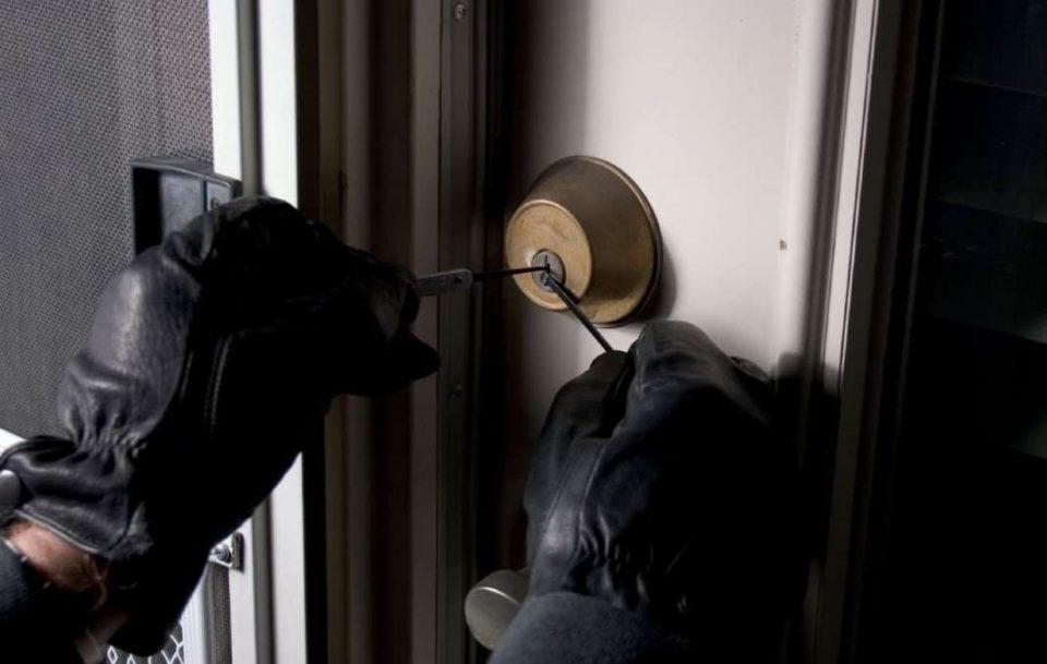 Скопјанец осомничен за разбојничка кражба од угостителски објект