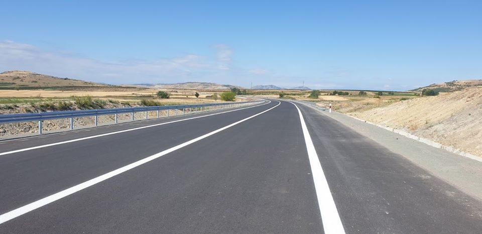 Прекини во сообраќајот на патот Велес-Штип: Се снима реклама