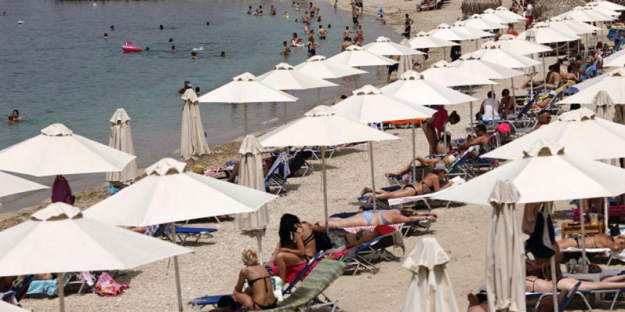 Грција од понеделник ги отвора границите за неколку земји