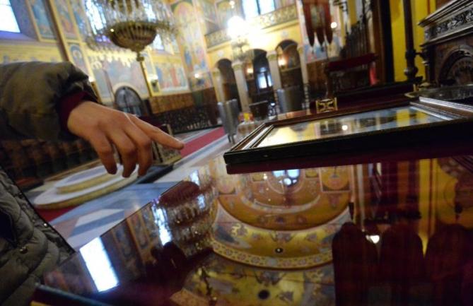 Притвор и обвинение за скопјанец, украл пет икони од Св. Петка