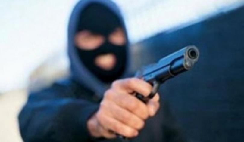 Крадци ги напаѓале жртвите и им се заканувале со воздушен пиштол