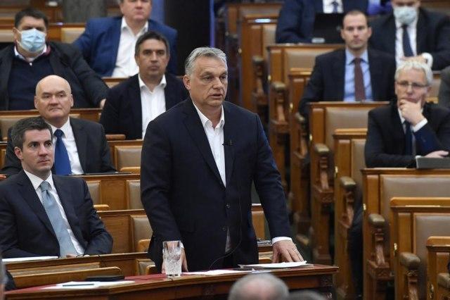Унгарија нема да прима граѓани од земји надвор од ЕУ, oсвен Срби