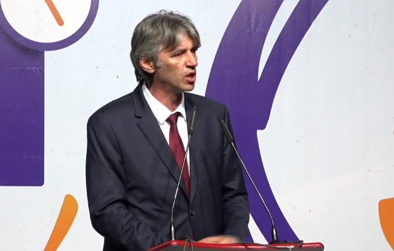 Села: Ќе се бориме секој Албанец да добие држјавјанство