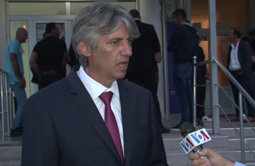 Села: Ахмети почна да бара Албанец за премиер откако јас го надминав со рејтингот