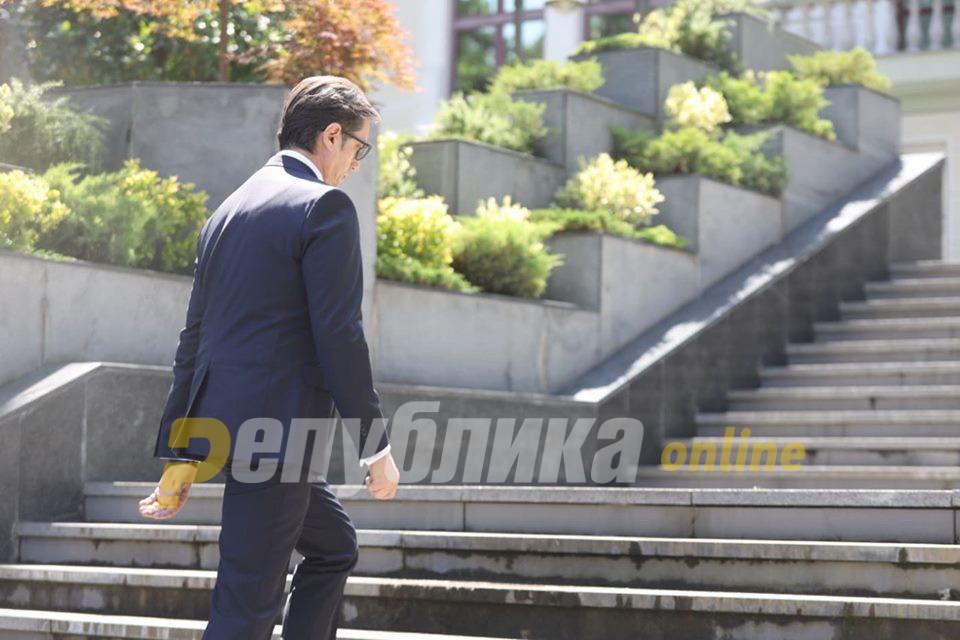 Пендаровски нема да ги коментира ставовите на Заев