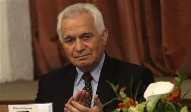 Првиот претседател на Собранието на Република Српска ставен на апарати за дишење