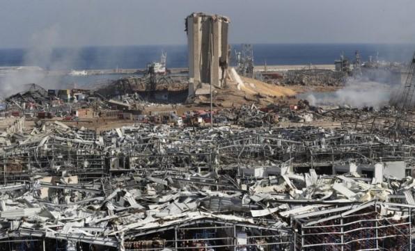 Експертите во Бејрут открија уште најмалку 20 контејнери со опасни хемикалии